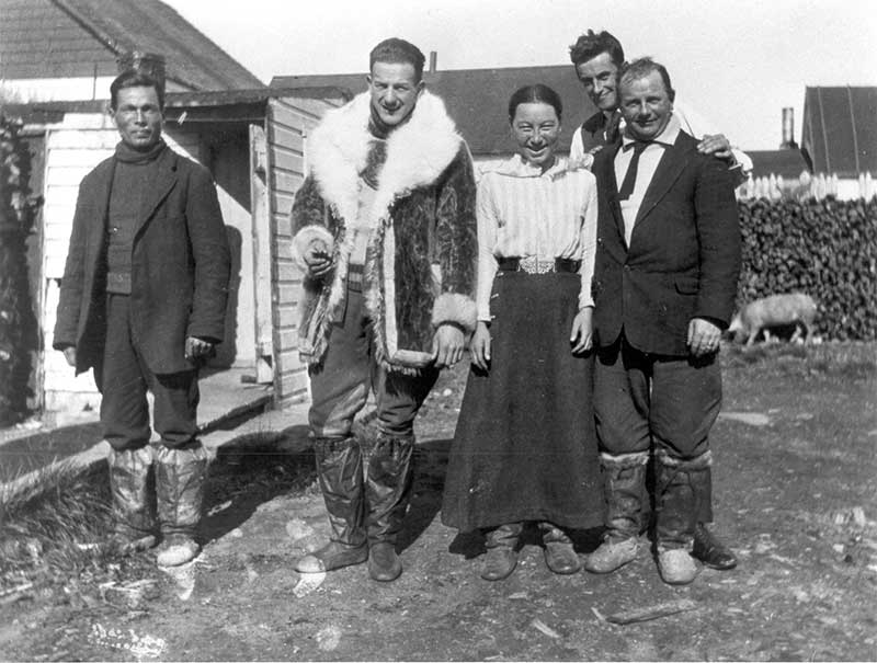 James Watt and Inuit family behind clerk's house - Archives of Ontario